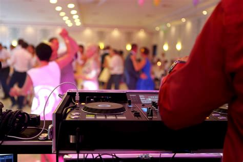 Wedding Song Suggestions 2017 by Wedding Song Suggestions Crowd Entertainment