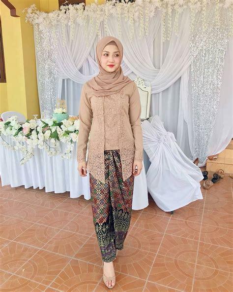 Kebaya Wanita 24 24 model kebaya batik modern inspirasi wanita terbaru 2018