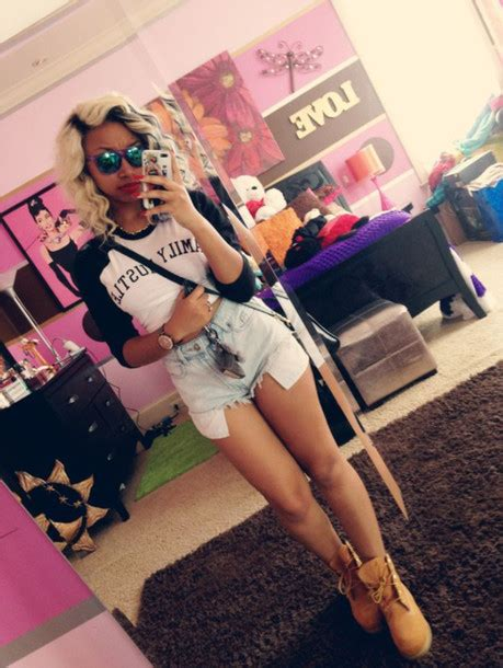 zonnique pullins bedroom sunglasses t shirt black white crop tops sweater