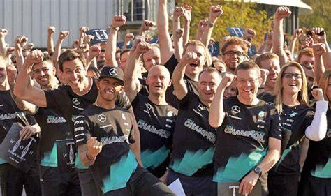 the mechanic the secret world of the f1 pitlane books lewis hamilton mechanics for new season revealed his team