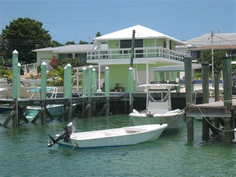 to dock a boat in spanish spanish wells bahamas harbour water front cottage with