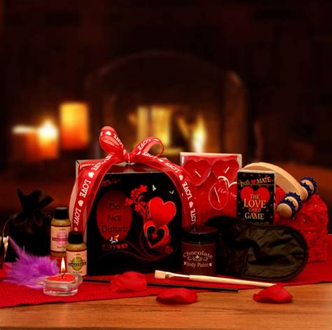 couples gift ideas for valentines gift baskets for couples