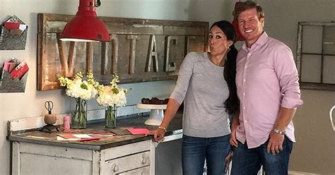 cast of fixer upper how to get cast on fixer upper popsugar home