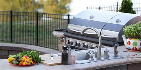 tips for choosing outdoor kitchen appliances silo 5 tips for choosing the best grill for your outdoor kitchen