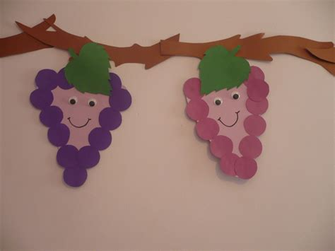 How To Make Paper Grapes - smiling grapes family crafts