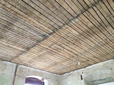 Alte Holzdecke Sanieren by Sanierung Fu 223 Bodenaufbau Holzbalkendecke Heimwerker Forum