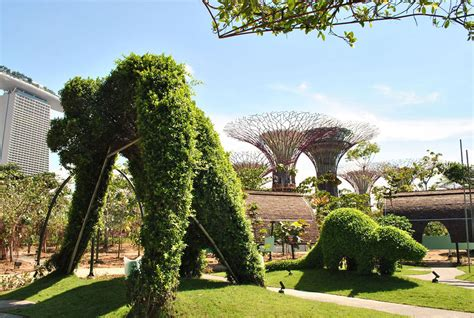 Singapore Gardens By The Bay by Spectacular Gardens By The Bay In Singapore Idesignarch