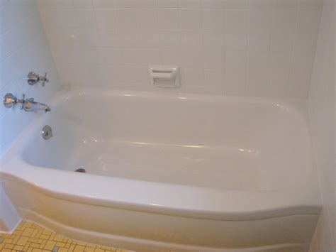 fix crack in plastic bathtub can you fix a cracked bathtub 28 images bathroom sink