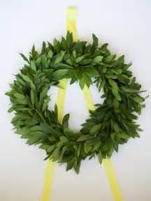 fresh wreaths how to make a fresh wreath in 3 easy steps