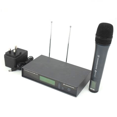 Mic Sennheiser 135 G2 Single Mic hire sennheiser ew300 g2 wireless mic system