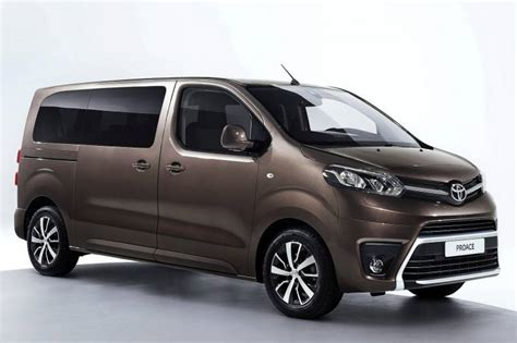Raket Pro Ace All Around toyota proace verso review car review rac drive