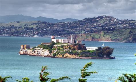 what is alcatraz island with pictures