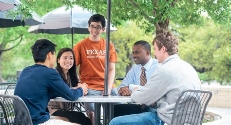 Of Mccombs Mba Alumni by Mccombs School Of Business The Of At