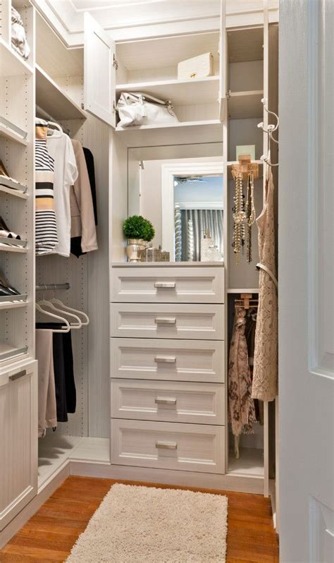 building a walk in closet in a small bedroom 25 best ideas about corner closet on pinterest corner