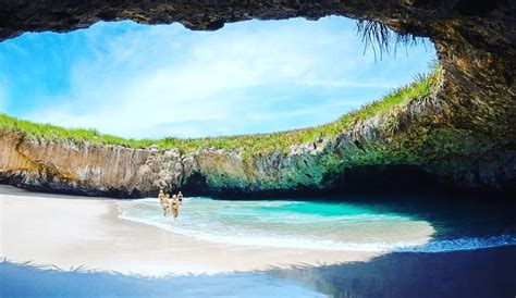 beautiful beaches in the world 28 images the 20 most beautiful beaches in the world photos swim to hidden beach in mexico playa del amor simplemost