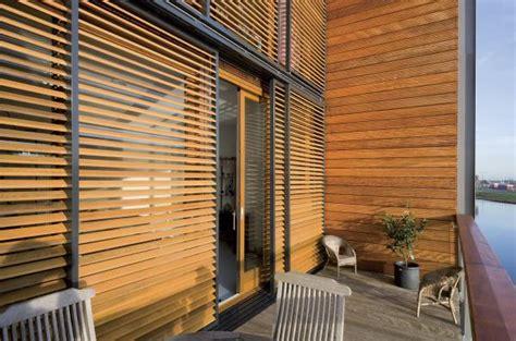 persiane scorrevoli in legno le aziende settore della protezione solare