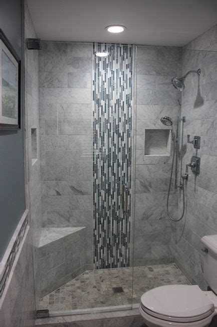 25 best ideas about small bathroom tiles on pinterest best 25 shower tile designs ideas on pinterest master in