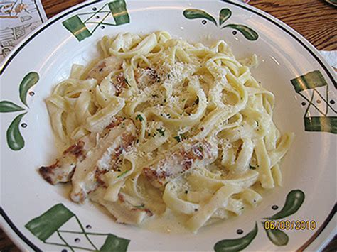 Olive Garden Chicken Alfredo Calories by Olive Garden Chicken Alfredo Recipes Smalltowndjs