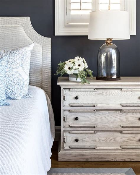 gray headboard  light gray oak nightstand