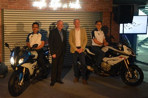 Bmw Motorrad Forum Malaysia by Bmw Motorrad Launches S 1000 Xr And R 1200 Rs Motorcycles