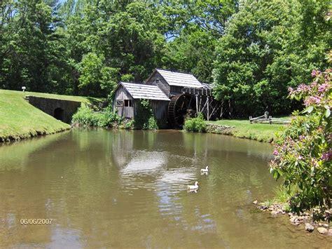 Rocky Knob Visitor Center by Blue Ridge Parkway Virginia