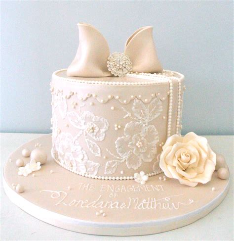 Engagement Cake Images by Engagement Cakes Pretty