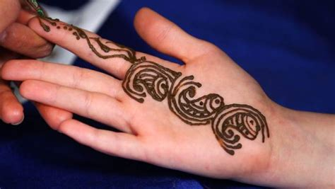 henna tattoos after never again s henna warning after s