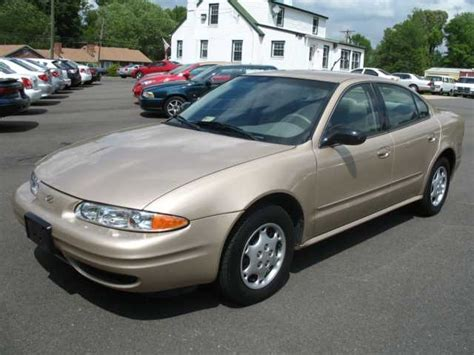 2003 oldsmobile alero reviews specs and prices cars com 2003 oldsmobile alero overview cargurus