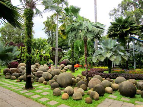 Tropical Botanical Garden Nong Nooch Tropical Botanical Garden Pond Water Feature Pinterest