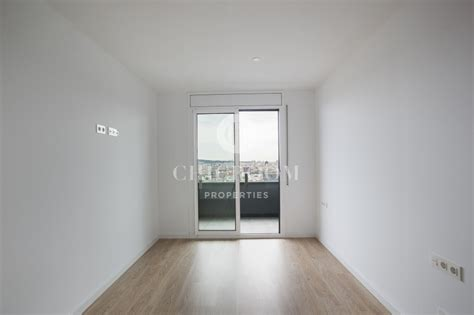 3 bedroom apt for rent three bedroom unfurnished apartment for rent with terrace in poblenou