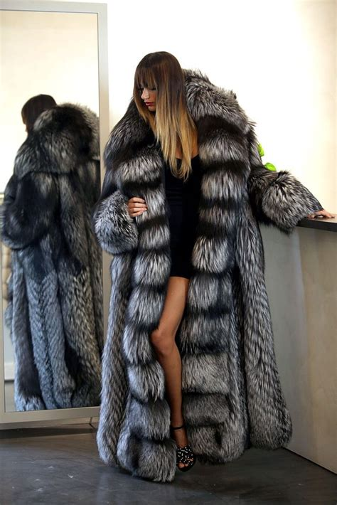 Not All Fur Real Or Faux Need Be Removed At The Door With A Plush Fox Vest Balmain Shows How To Bring Fur Indoors For Day Fashiontribes Fashion by Best 25 Fur Coat Ideas On Coat
