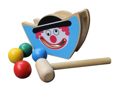 badut juling mainan kayu