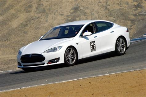 tesla model s worth buying tesla worth more than fiat which is 100 times its size