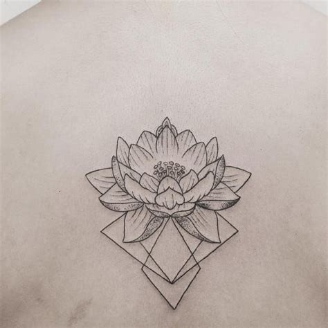 geometric flower tattoo 25 best ideas about geometric flower tattoos on