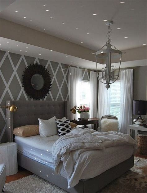 Grey And White Bedroom by 20 Grey Bedrooms Messagenote