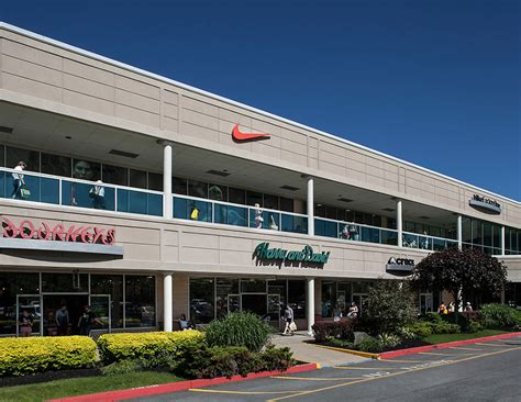 Garden State Mall Leasing by Do Business At The Crossings Premium Outlets 174 A Simon