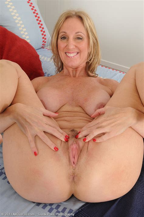 3  In Gallery Hot Mature Jenna S Feet Juicy Pink Pussy