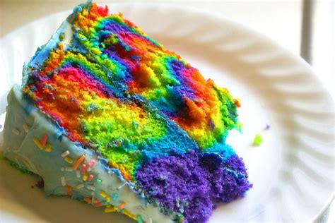 Lu Tidur Pelangi Rainbow Murah sistia ardya rainbow cake