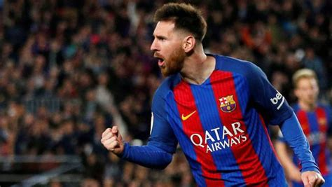 imagenes de lionel messi lionel messi rejects barcelona s opening contract offer