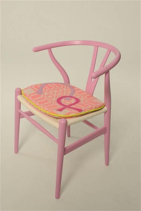 hans wegner wishbone chair cushion charitybuzz hans wegner wishbone chair with cushion