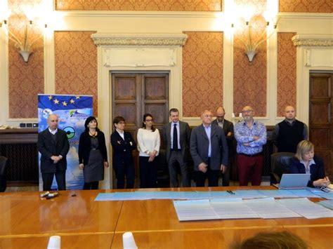 dell adriatico ancona firmato ad ancona il manifesto adriatico altrogiornalemarche