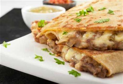 cuisiner viande hach馥 recette quesadillas au boeuf hach 233 coup de pouce