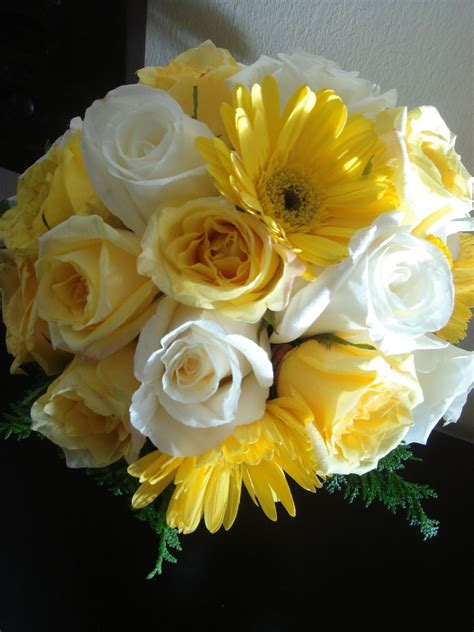 Wedding Bouquet Yellow by Bouquet Bridal Yellow And White Bouquets