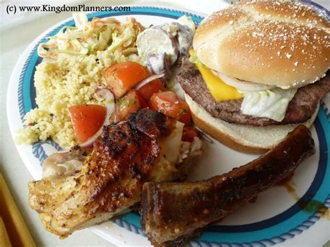 lunch at cookies too bbq castaway cay disney cruise