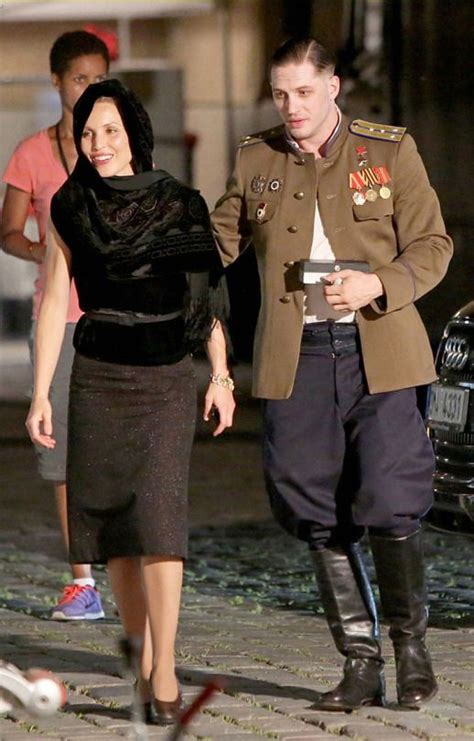 noomi rapace and tom hardy cuddle up to cute puppy while tom hardy and noomi rapace bts child 44 tom hardy