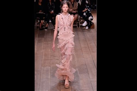 Catwalk Top 10 Vintage Part 2 by Fashion Week Top 10 Looks From Mcqueen S