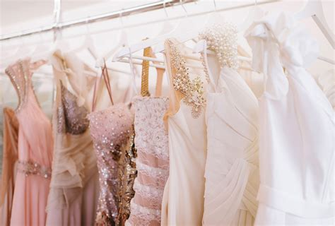 What Not to Wear to a Wedding: 25 Items to Avoid   Shutterfly