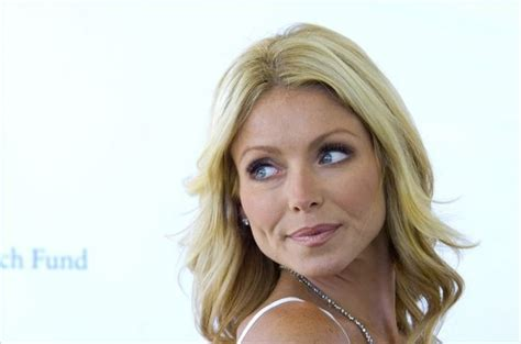 how to get hair like kelly ripa how to get kelly ripa s hairstyle