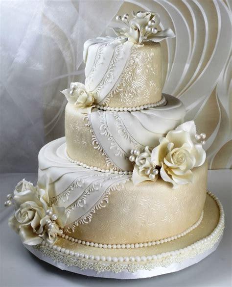 Hochzeitstorte 50 Personen by Weisse Cremeweisse Tortenkunst Hochzeitstorte In Wei 223