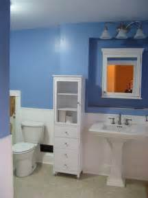 Decorating With Wainscoting Decorating A Bathroom With Wainscoting Ehow